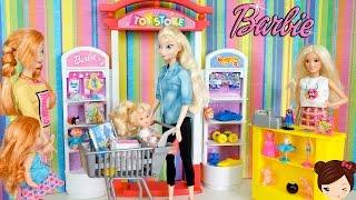Los Bebes de Elsa y Ana  de Compras en la Jugueteria de Barbie -  Tienda de Juguetes