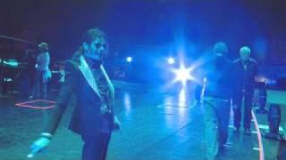 эпизод из документального фильма «Майкл Джексон: Вот и всё» /This Is It/.