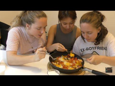 Turkish Food Taste Test | ft. American Twins & Su