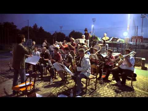 Big Band Unipd - Flight of The Foo Birds [N.Hefti-N.Privato] - Live al CUS Festival 2015