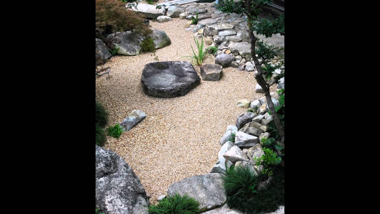 japanische garten im innenhof mit stein und sand elements. Black Bedroom Furniture Sets. Home Design Ideas