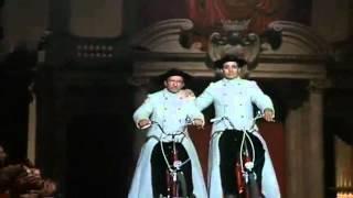 Vatican Fashion Show - Federico Fellini (Roma)