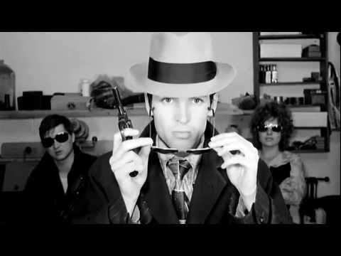 Pulp - I spy