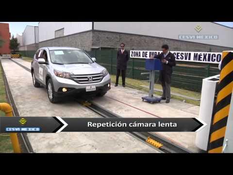 Low-speed crash test 2014 Honda CRV