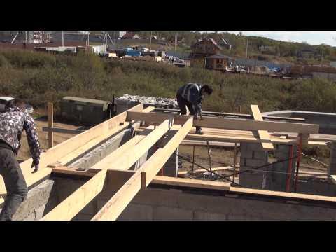 видео: Крыша мансардная , делаем деревянные полы .