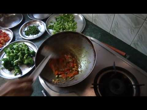 Broccoli Sabzi Recipe|Indian Style tasty Broccoli Sabzi|Broccoli Mix Vegetable sabzi Recipe