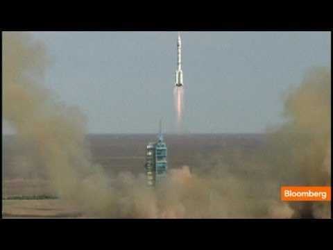 China's Rocket Sends Three Men to Space