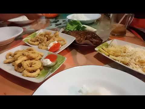 wisata-kuliner-kota-batu-malang-jawa-timur-waroeng-bamboe-|-suasana-lesehan-warung-bambu