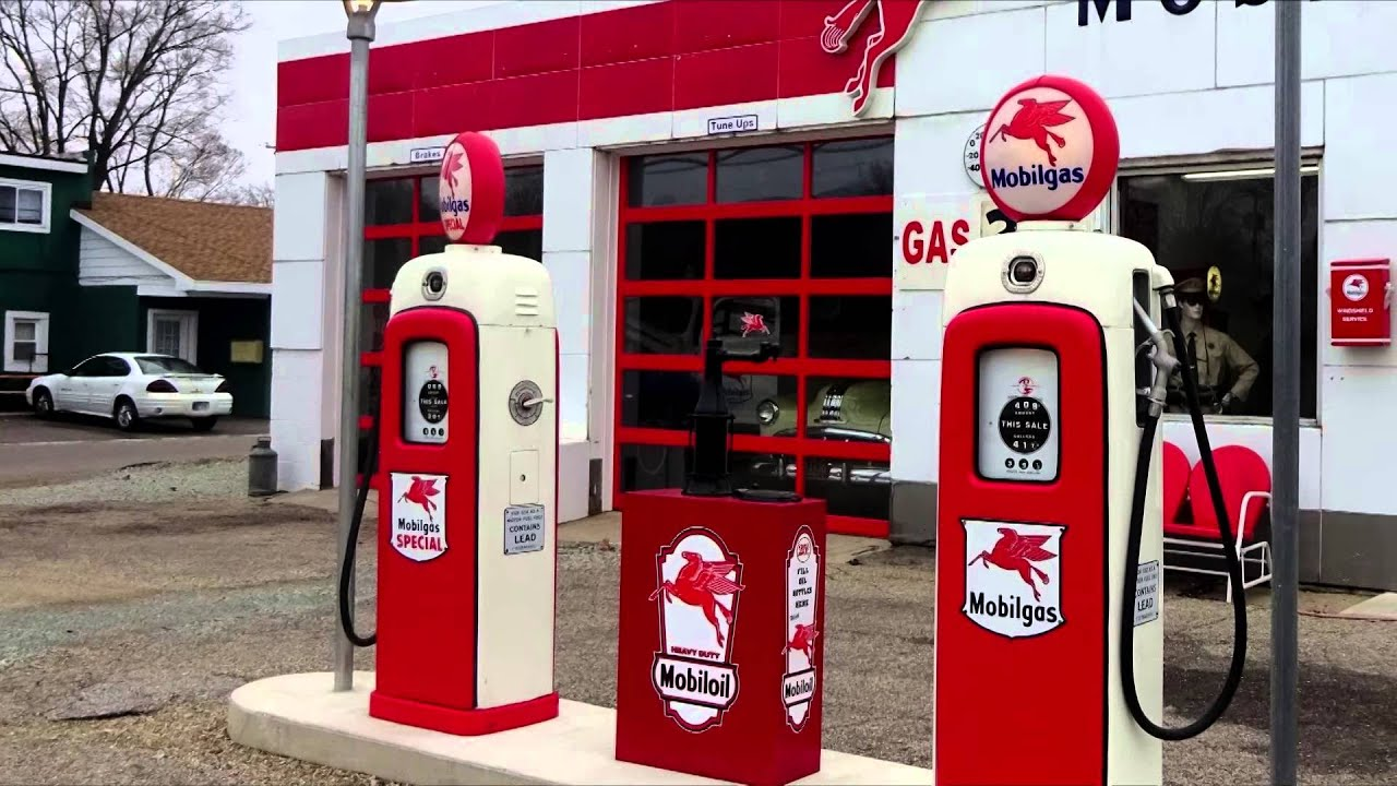 Old Mobilgas Station, Plymouth, Indiana