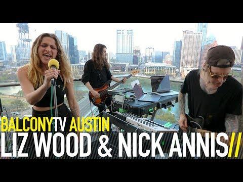 LIZ WOOD & NICK ANNIS - SUFFOCATED (BalconyTV)