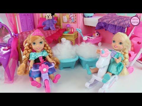 Cuidando de Elsa y Ana pequeñas con ...