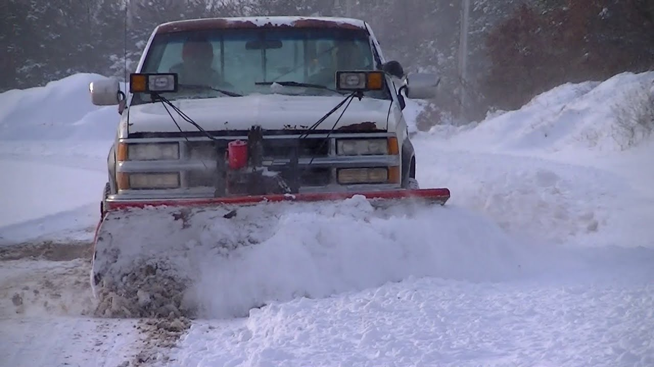 90 Chevy K2500 Snow Plowing Western Pro Plow - YouTube