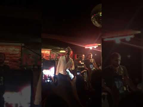 Manuş Baba - Geceler Kara Tren (Konser Performansı)