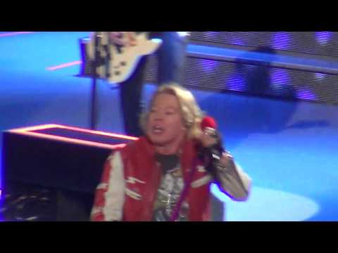 GUNS N ROSES – NOT IN THIS LIFETIME TOUR 2017 – HARTFORD CT (1 of 12)