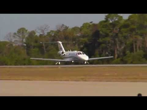 Citation CJ2 startup, taxi and takeoff with AWESOME stereo sound...turn it up or use headphones