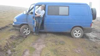 Repeat youtube video VW T4 Syncro (Pirineos 2011)