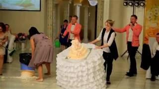 Свадебный угар. Невеста в шоке. Два торта на свадьбе