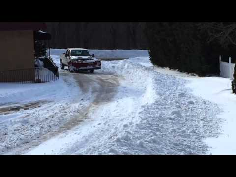 2004 Ford F 250 Diesel plowing 30 inch snow restaurant parking lot