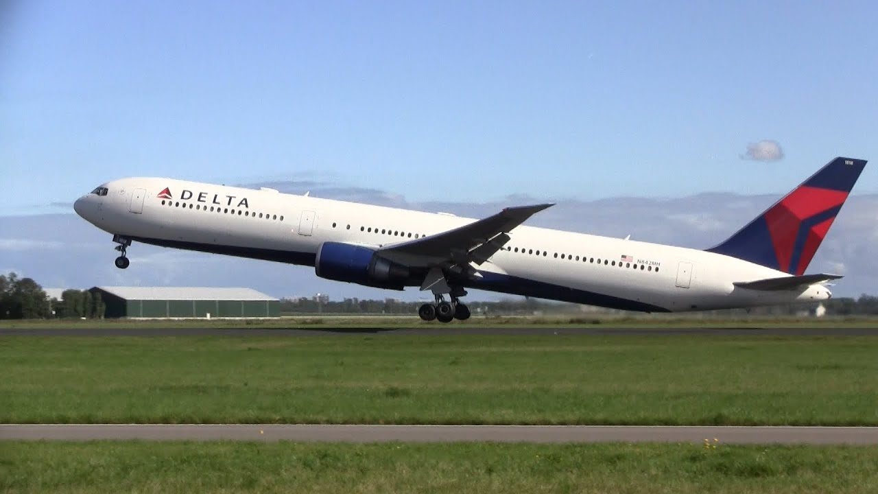 Delta Air Lines Boeing 767 400 Takeoff Amsterdam Airport