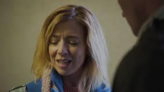 Mintaapák - Janó észrevette Lindán, mennyire furcsán viselkedik újabban
