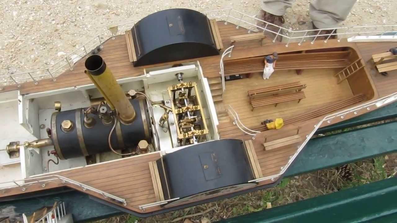 Hjejlen est de sortie - Vapeur à aubes / paddle steamer ...