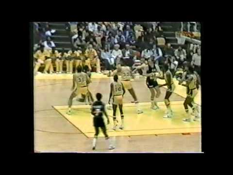 Alex English (45pts) vs. Lakers (1982)