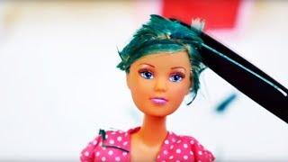 Барби в салоне красоты: стрижка налысо. Видео для девочек