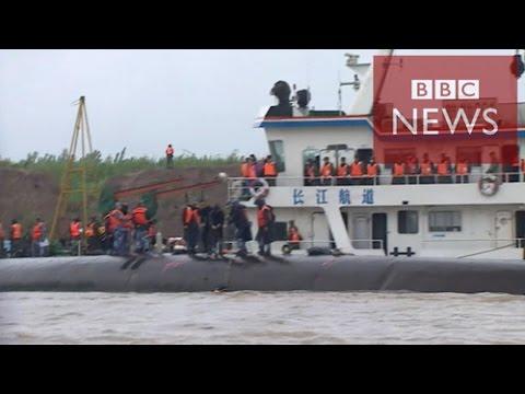 【BBC】 中国・長江の客船転覆 希望はもはや……