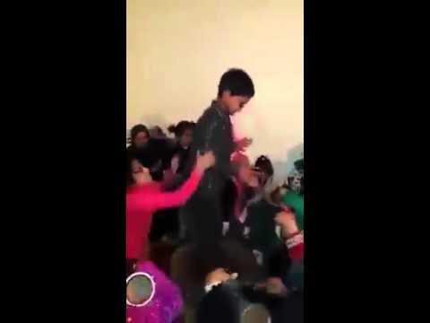 رقص أطفال مغاربة على إيقاع شعبي مغربي 100% thumbnail
