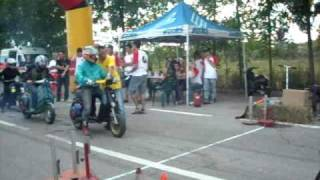 Gara Vespe elaborate 11/10/09 scooteraduno Rossano Veneto (TV)