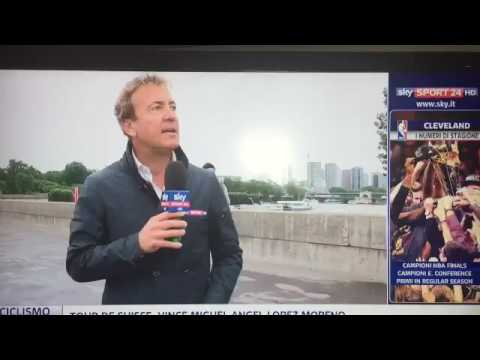 Thief chased by French police during a Sky Sports Italia report from Euro 2016