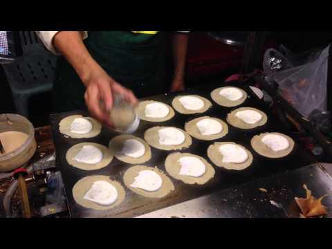 Chiang Mai Street Food Khanom Buang-(Thai Crispy Pancakes)