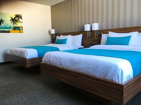 visite d 39 une suite familiale de l 39 h tel valcartier visit a family suite youtube. Black Bedroom Furniture Sets. Home Design Ideas