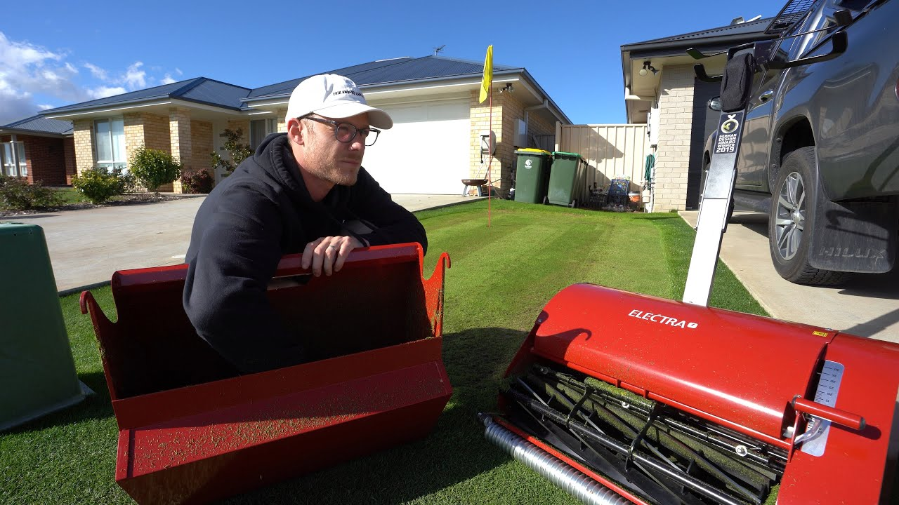 Mowing My Golf Green at 8mm With the Swardman Electra