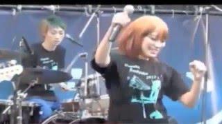 2013年明大祭野外ステージでの演奏です。一部映像と音声が切れています...
