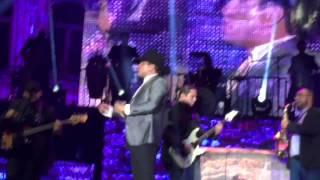 Julion Alvarez en concierto The Forum Inglewood/Los Angeles, CA. Julio/11/2015