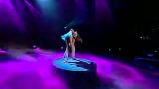 Акробатическое шоу, заказать выступление акробатов, шоу акробатов Киев, акробатические дуэт номера.