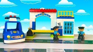 Тёма играет в полицию и в машинки игрушки  Побег на воздушном шаре