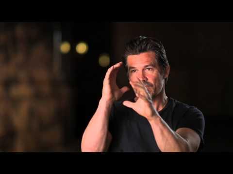 "Everest: Josh Brolin ""Beck Weathers"" Behind the Scenes Movie Interview"