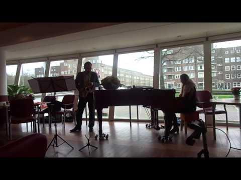 Olivier Gomes En Marie-Jose Keijzers Spelen Een Improvisatie Op Een Vos