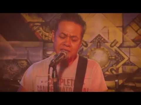 Free Download Tony Q Rastafara - Pesta Pantai (live At 'menjemput Mimpi' Album Release) Mp3 dan Mp4