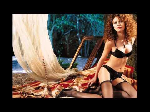 Голая Ани Лорак на откровенных эротических фотографиях