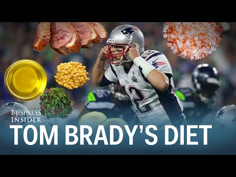 This is what Tom Brady eats to play pro football at 38 years old