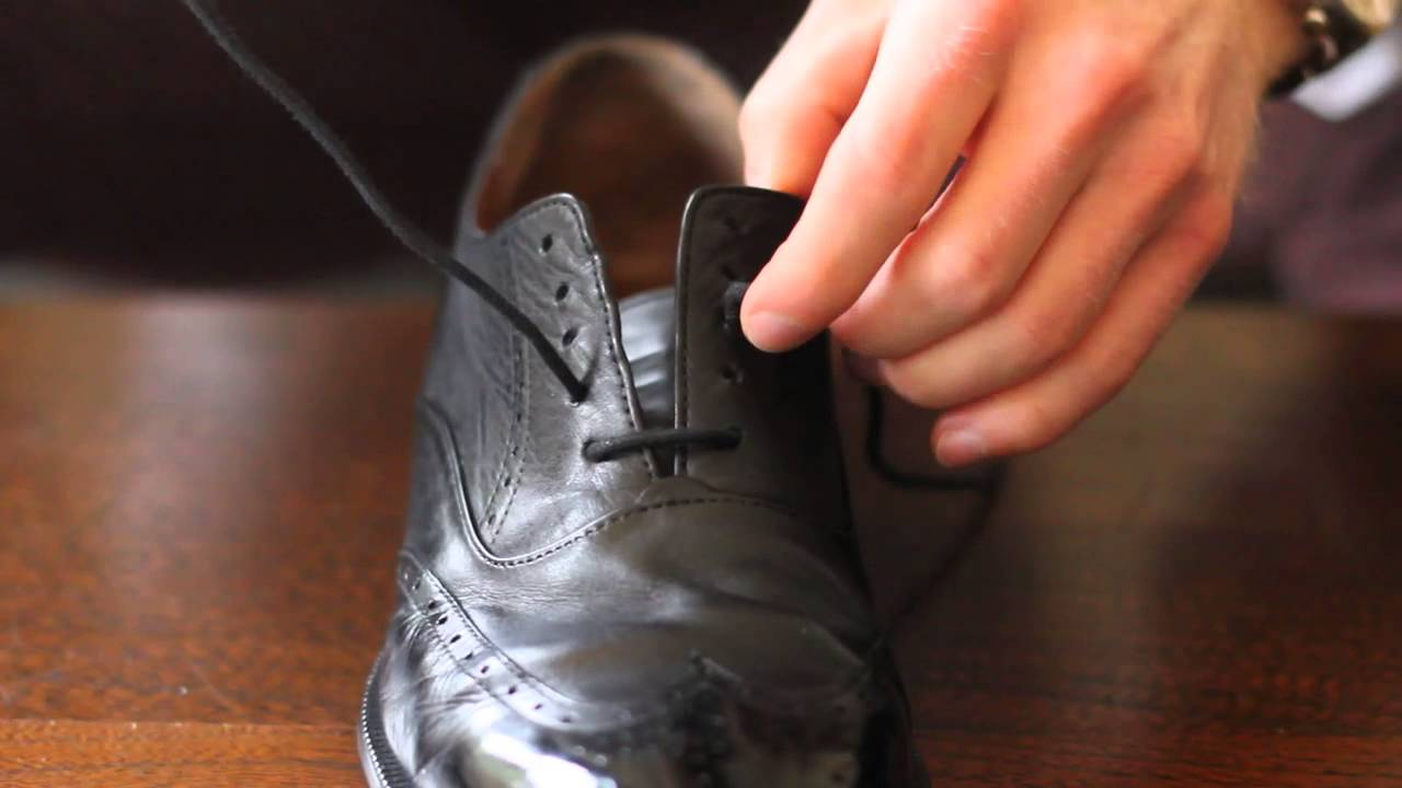 how to polish your shoes I don't really know why, but for some reason, when my shoes get dirty i think they're done for i think that any stain or scuff is a permanent resident i.