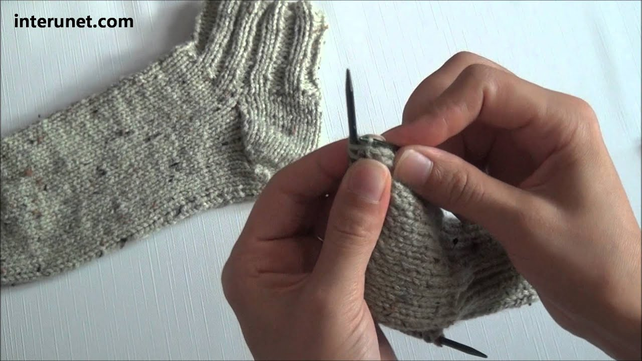 Knitting Patterns For Men s Socks On 4 Needles : How to knit socks - video tutorial - YouTube