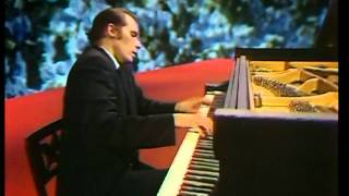 Glenn Gould-Alban Berg-Piano Sonata in One Movement (HD)