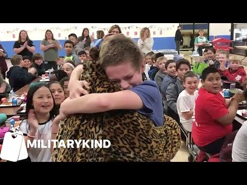 Military Moms Come Home To Their Kids ❤️ 🇺🇸| Militarykind