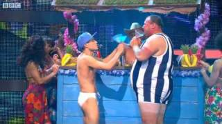 "Lee Nelson and Omelette do ""Club Tropicana"" - Let"
