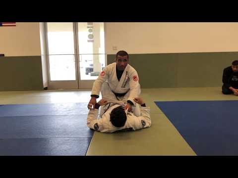 First BJJ-Prof. Suyan Queiroz-Closed Guard Pass to Submission