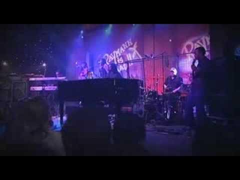 John Legend - P.D.A. (We Just Don't Care) (Live)